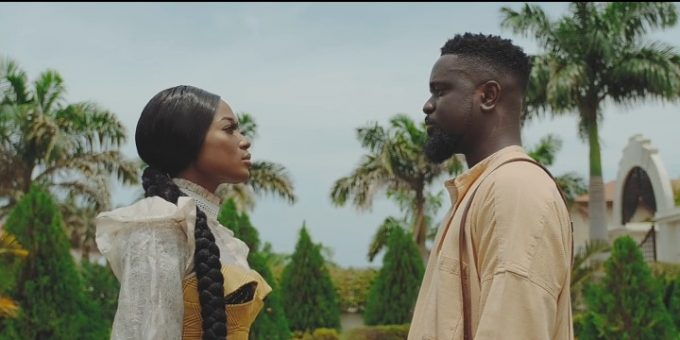 Watch/Download: Sarkodie – Saara Ft. Efya (Video)