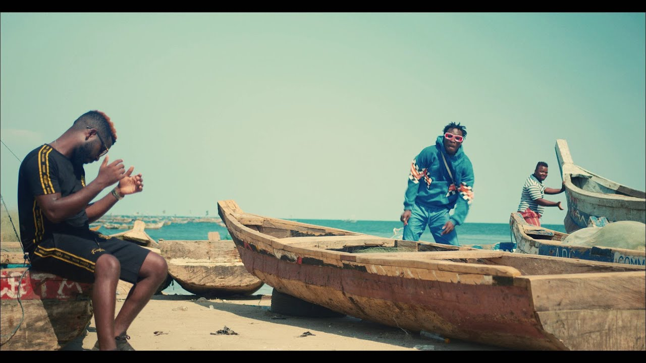 Bisa Kdei – Anadwo (Official Video)
