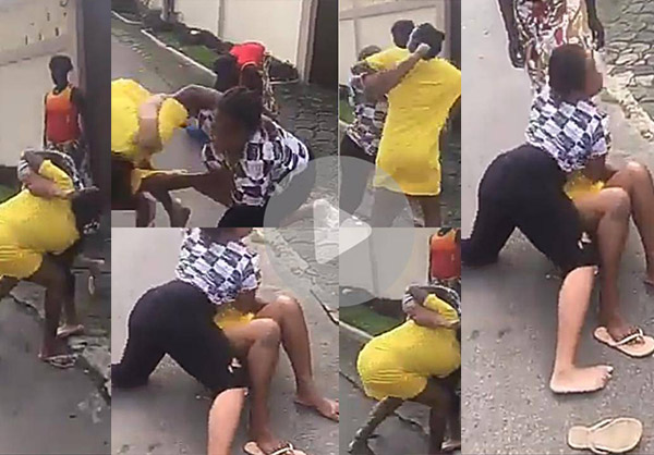 Two women fight in the middle of the road -Watch Video