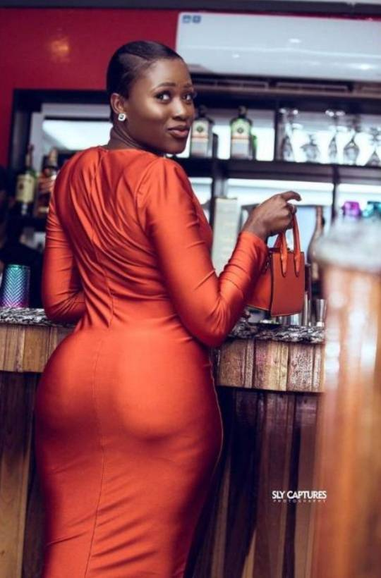 Hajia Bintu And Fella Makafui, Who Get Big Backside? Checkout These Photos
