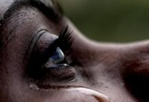 Lady-cries