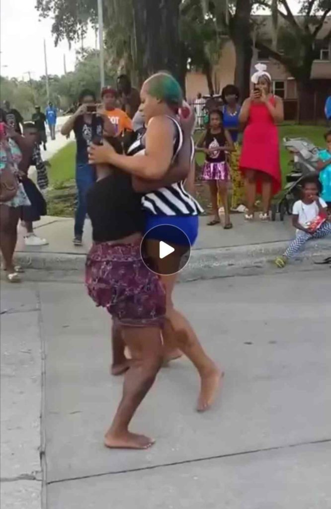 See What Two Slay Queens Were Caught Doing In Public (+Video)