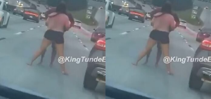 Shocking Video As Man And Girlfriend Chop 'Heavy' Love At The Middle Of A Busy Road [WATCH]